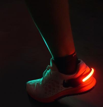 Eclairages à chausser par 2, 2 modes : fixe et clignotant