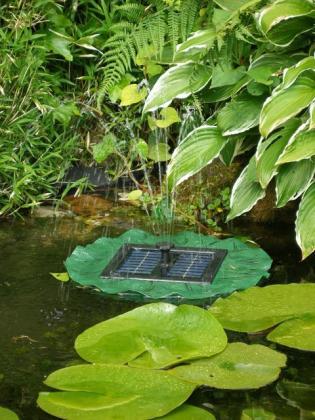 Fontaine nénuphar solaire, 4 jets différents - Fonctionnement en journée - Prête à l'emploi