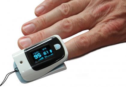 Oxymètre avec fonction T°, Ecran OLED orientable - Thermomètre infrarouge